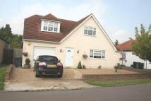 Detached house in Willow Crescent East...