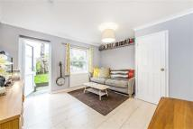 2 bedroom property to rent in Chestnut Close...