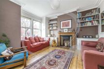 2 bedroom home to rent in Fallsbrook Road, London