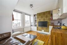 Apartment to rent in Romberg Road, London