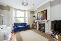 4 bed property in Fernlea Road, Balham