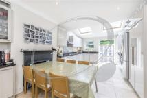 4 bed house to rent in Ravenslea Road, Balham