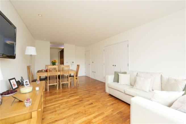 2 bedroom flat to rent in blueprint apartments 16 balham grove picture 1 malvernweather Choice Image