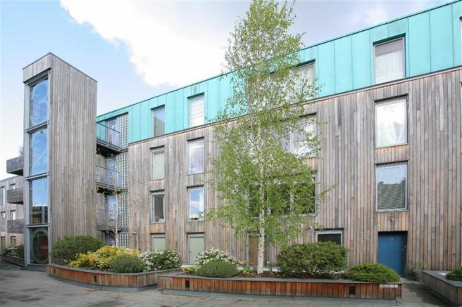 2 bedroom flat for sale in blueprint apartment balham grove picture 2 malvernweather Choice Image