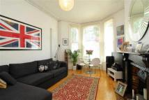Apartment to rent in Atherfold Road, LONDON