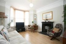 2 bedroom Apartment in Sandmere Road, LONDON