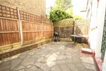 Apartment to rent in Shamrock Street, LONDON