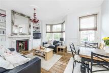 Flat to rent in Hubert Grove, LONDON...