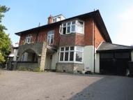 3 bed Flat to rent in Queens Park South Drive...