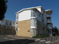 1 bed Flat to rent in Castle Lane West...