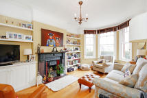 4 bedroom End of Terrace house to rent in Melrose Avenue, London...