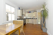 1 bed Maisonette to rent in Merton Road, London, SW18
