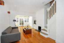 2 bedroom Terraced property to rent in Princes Road, London...
