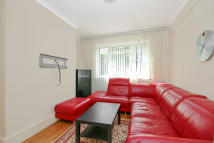Flat to rent in Merton Road, London, SW18
