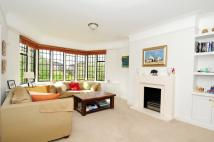 Flat to rent in Manor Fields, London...