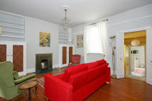 1 bed Flat in QUEENSTOWN ROAD, London...