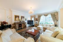 6 bed Flat in Abbey Lodge, Park Road...