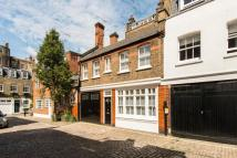 2 bed Terraced home in Devonshire Close, London