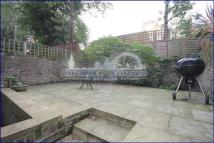 1 bedroom Flat in Belsize Road...
