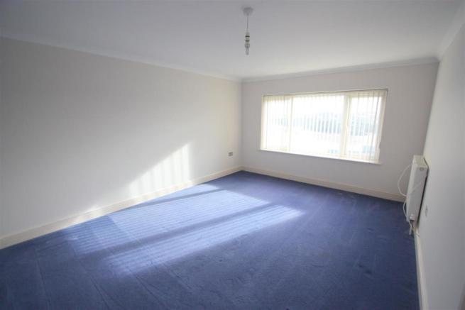 16 Longshore Apartments Bedroom 1