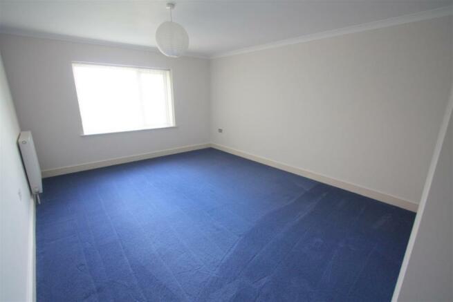 16 Longshore Apartments Bedroom 2