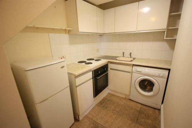 Flat 1, 13 Edgcumbe Avenue Kitchen