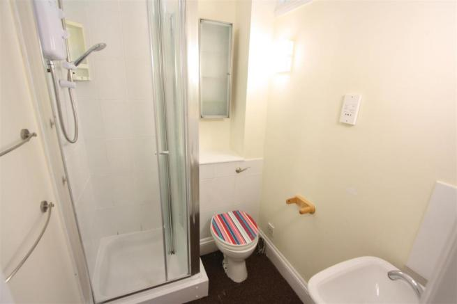 Flat 1, 13 Edgcumbe Avenue Shower