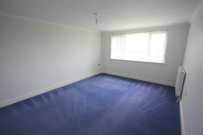 8 Longshore Apartments Bedroom 1
