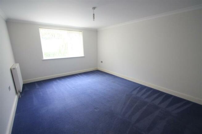 8 Longshore Apartments Bedroom 2