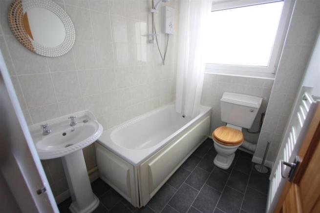 20 Bosworgey Close Bathroom