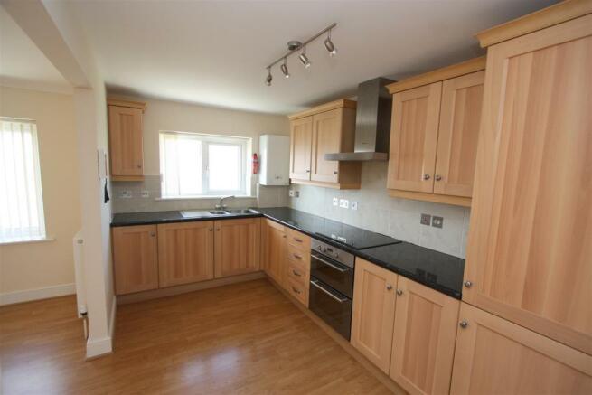 12 Longshore Apartments Kitchen
