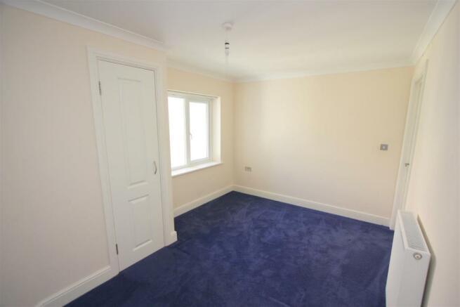 12 Longshore Apartments Bedroom 2