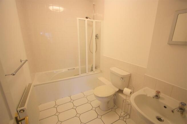 17 Harvest Moon Apartments En Suite 1
