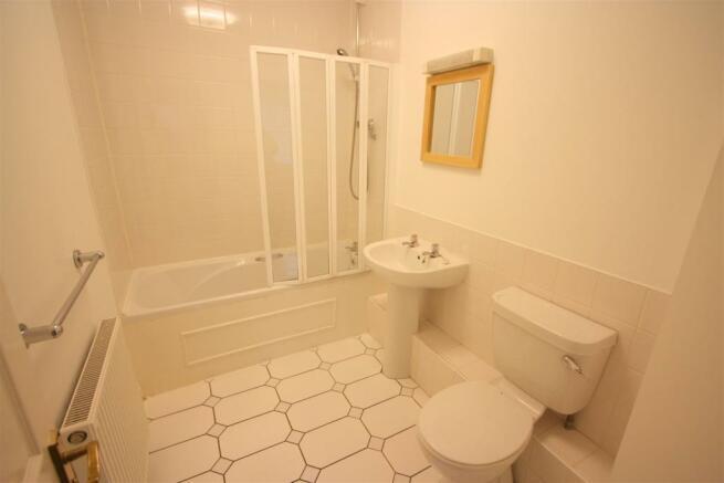 17 Harvest Moon Apartments En Suite 2