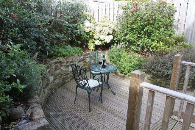 Annex - 7 Eliot Gardens Courtyard