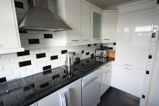 49 Carneton Close Kitchen