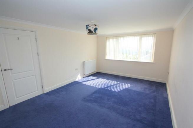 7 Longshore Apartments Bedroom 1