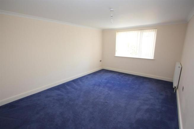 7 Longshore Apartments Bedroom 2