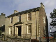 Flat to rent in Irvine Place, Stirling...