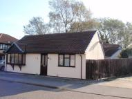 2 bed Detached Bungalow in Wentworth Way, Lowestoft...