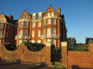 2 bed Flat for sale in Kirkley Cliff Road...