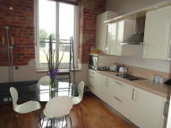 Ground Flat to rent in Ledgard Wharf, Mirfield...