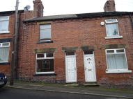 3 bed Terraced home to rent in Bridge Street, Darton