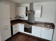 2 bed Apartment in Apartment, Gateway Plaza...