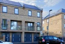 4 bed Flat to rent in Nightingale Road, London...