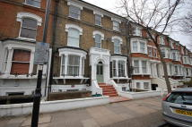 2 bed Ground Flat in Petherton Road, London...
