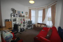 Ground Flat to rent in Kitchener Road, London...