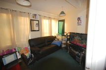 1 bedroom Flat to rent in Alfoxton Avenue, London...