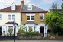 2 bed Flat to rent in West Green Road N15