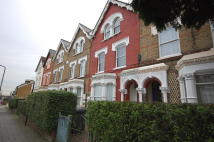 1 bedroom Flat in Hermitage Road, London...